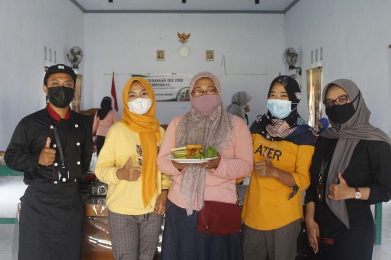 Kegiatan ini mematuhi protokol kesehatan dengan memakai masker selama kegiatan - Dok. KKN Temurejo/dokpri