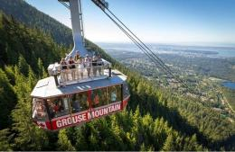 Naik Gondola di Grouse Mountain Vancouver   Sumber www.vancouverattractions.com