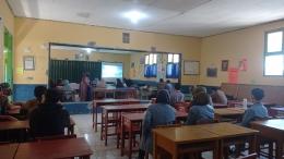 Sosialisasi Program Mahasiswa KKN Tematik UPI yang disampaikan oleh Waka Kesiswaan