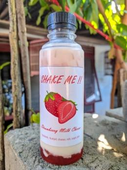 Produk Minuman Strawberry Cheese Milk buatan Mahasiswa KKN UM