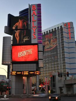 Bally's Las Vegas, salah satu hotel dari era 1970-an. Sumber: dokumentasi pribadi