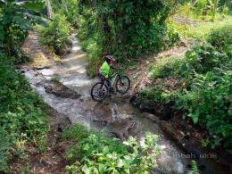 Anak sungai Kali Amprong (dokumen pribadi)