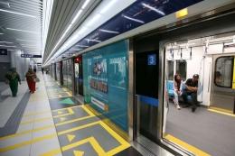 via: Kompas.com (Suasana Platform Stasiun MRT Bundaran Hotel Indonesia, Jakarta, Senin (25/3/2019))