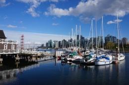 Pemandangan di Pelabuhan Dekat Coal Harbour Vancouver   Koleksi Foto Iffat Mochtar