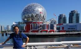 Latar Belakang Gedung Science World di Vancouver   Koleksi Foto Iffat Mochtar