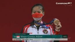 Windy Cantika Aisah raih medali perunggu pada cabor angkat besi pada Olimpiade Tokyo 2020. Via: instagram.com/tokyoolympic_