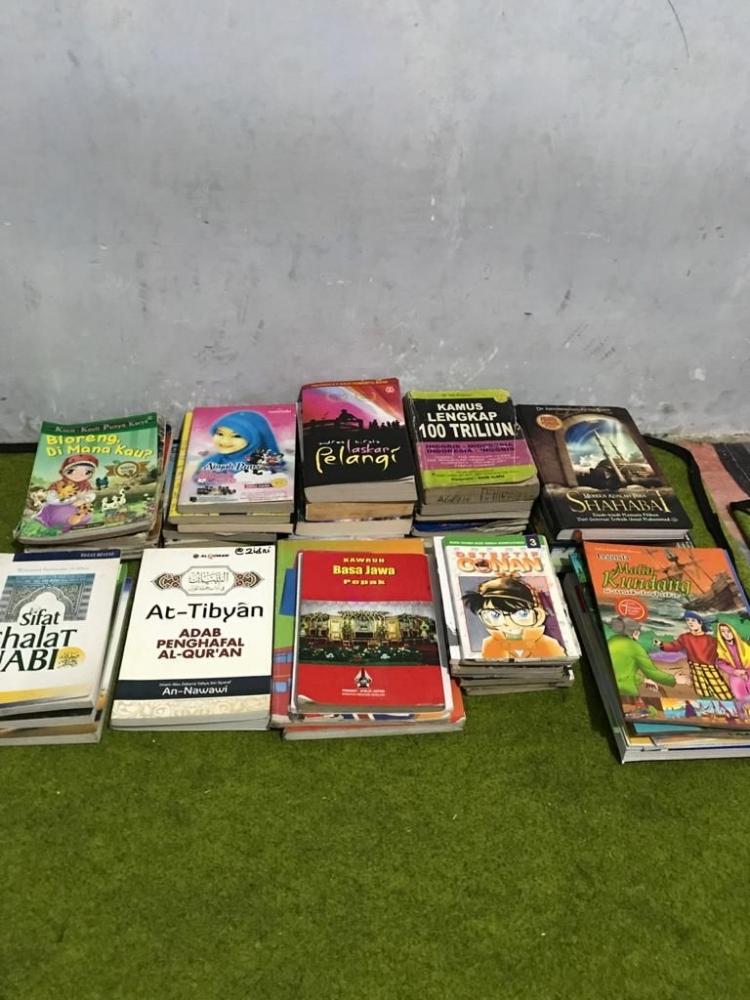 Buku Donasi yang didapatkan oleh Tim KKN UM di Desa Kenongo/Dokpri