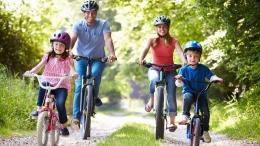 Aktivitas Fisik Bersama Anak dengan Bersepeda