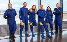 Kru penerbangan Richard Branson.| BBC.com