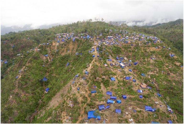 Aktivitas penambangan cinnabar di Gunung Tembaga, Desa Iha Luhu, Seram Bangian Barat (2017). Foto: Rekam Nusantara Foundation