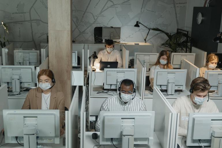 Ilustrasi perkantoran di masa pandemi   pexels/ Tima Miroshnichenko