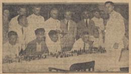 http://akhirmh.blogspot.com/2014/07/sejarah-catur-indonesia-bermula-di.html
