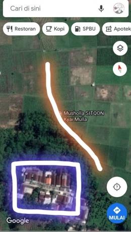 Kotak ungu adalah pemukiman saya tinggal, garis oranye adalah saluran irigasi dari sungai tersebut (tangkapan layar dan editing pribadi)