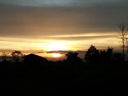 Siluet senja saat matahari terbenam (Dokpri)