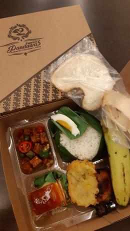 Nasi kotak dari Pawon Pandawa 5 (Meita)