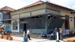 Salah satu bangunan di Kampung Arab Palembang (sumber : deddyhuang.com)