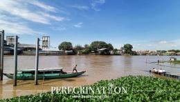 Dermaga perahu di pinggir kampung kain Tuan Kentang (sumber : deddyhuang.com)