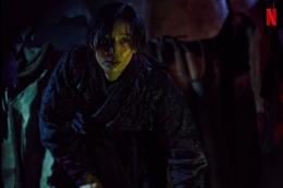 Jun Jihyun sebagai Ashin dalam episode spesial Kingdom: Ashin of the North.   Netflix