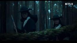 Salah satu contoh adegan ber-tone gelap dengan latar siang hari.   Netflix