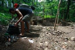 Memelihara Hutan Kota. Foto Walhi Jabar