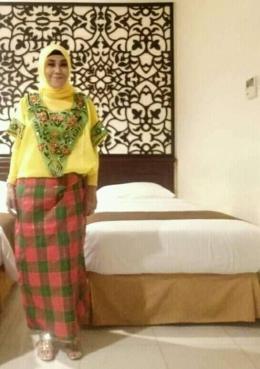 Baju Bodo Pakaian Adat Suku Bugis-Makassar Prov.Sulawesi Selatan. Foto by. Hamliana,. S.E