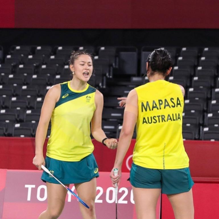 Gronya Somerville dan Setyana Mapasa meluapkan kegembiraan mereka, setelah mengalahkan ganda putri Denmark. Instagram@Gronyasomerville.