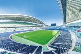 www.eye.co.jpPosisi lampu2 yang membuat stadion ini nyaman untuk bertanding, walau dimalam hari