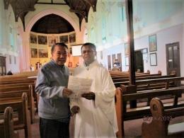 Berkenalan dengan pastor Sam Kono di Monastery (dok pribadi)