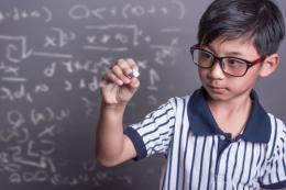 Ilustrasi anak belajar matematika  Sumber: Shutterstock via edukasi.kompas.com
