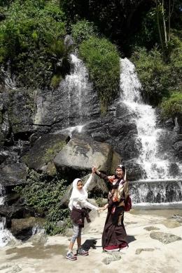 Indahnya suasana alami di lokasi air terjun dekat perkebunan teh Sidamanik Pematang Siantar