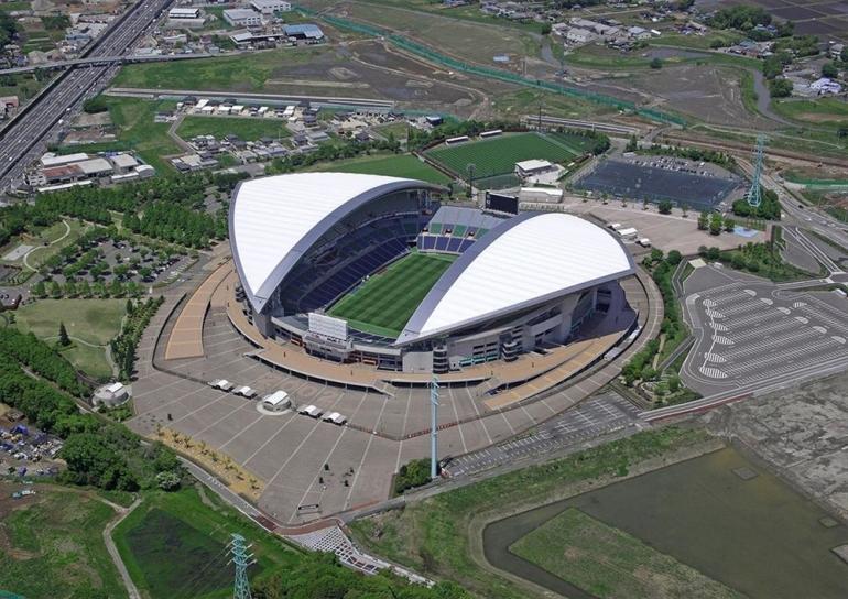 www.saitamacity-visitorguide.comStadion ini, yang terletak di Kota Saitama, Prefektur Saitama, adalah stadion sepak bola khusus terbesar di Jepang dan salah satu yang terbesar di Asia.