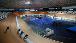 www.bdonline.com dan www.thetime.comTapak dan denah untuk Izu Velodrome. Di tengah2 sirkuit, terdapat lapangan basket.