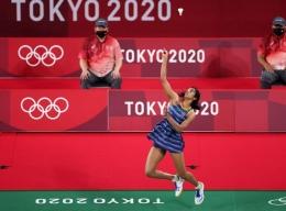 Tunggal putri India, Pusarla Sindhu meraih kemenangan dengan skor sadis di babak penyisihan Olimpiade 2020/Foto: www.insidesport.co