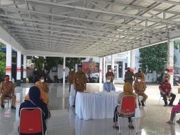 (dari kiri) Bpk Benny Pontoh, Bpk Julius Ondang, Walikota Maurits mantiri, Bpk Christian Manaroinsong, Bpk Give Mose, Korwil Noldy