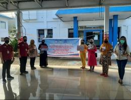 Korwil PKH Sulut Noldy Mangerongkonda, Korkot PKH Bitung Rivo Marshall Karundeng, Korcam Maesa Susan Sahadi dan 5 KPM Perwakilan