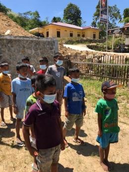 Gambar 4/Dokpri: Anak-anak diajar untuk selalu menjaga jarak dan menggunakan masker