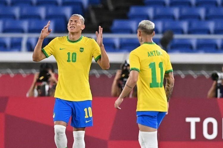 Richarlison (10) jadi andalan Brasil di Olimpiade 2020. DANIEL LEAL-OLIVAS/AFP via kompas.com