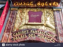Fasad masuk ke Museum Grevin, koleksi fantastis dan Istana Fatamorgana (Patung Lilin). Sumber: Alamy