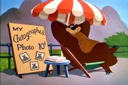 Ilustrasi Humphrey the bear (sumber foto: disney.fandom.com)