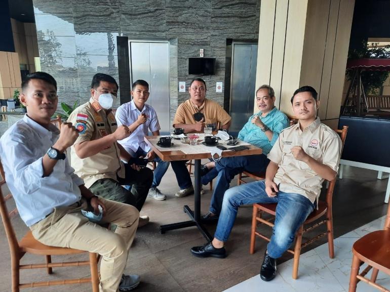 Foto bersama PGK dengan bupati/dokpri