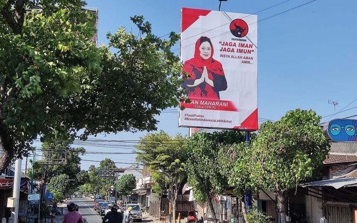 Salah satu baliho Puan Maharani. Foto: bangsaonline