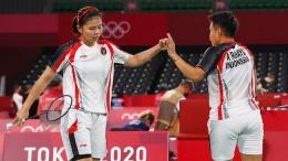Greysia Polii/Apriyani Rahayu masuk ke babak semifinal (REUTERS/LEONHARD FOEGER)
