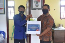 Penyerahan 20 Box Masker ke Pihak Desa Bunutwetan