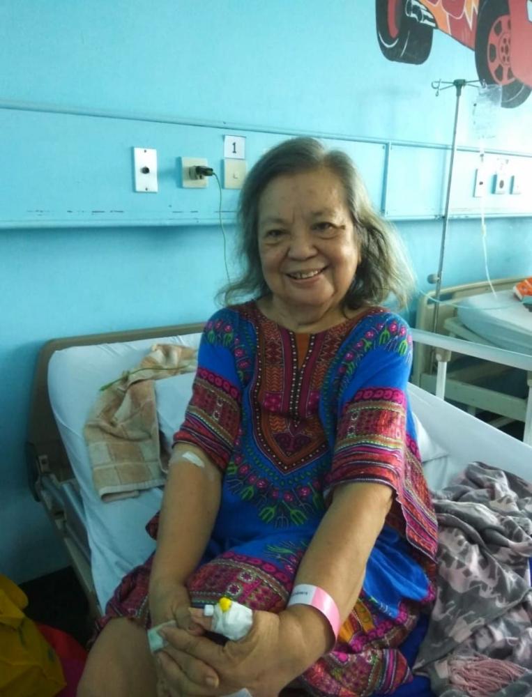 Sehari sebelum diperbolehkan pulang dari Rumah Sakit (foto koleksi Mami Rose)