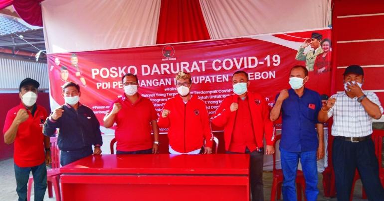 Tiga Pilar PDI Perjuangan Kab. Cirebon saat rilis kegiatan di Posko darurat Covid-19 (doc.foto infokom)