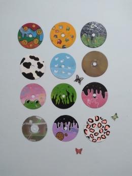 Lukisan karya Teteh dengan media CD, (dokpri)