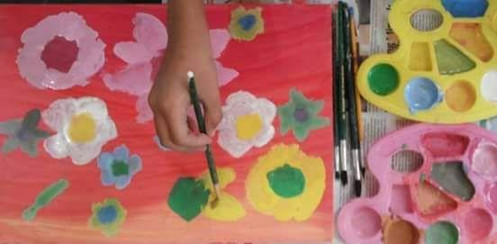 Teteh mengisi waktu luang dengan melukis, (dokpri)