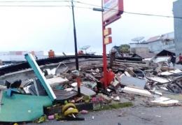 https://sultranews.co.id/dahsyat-gempa-bumi-62-sr-porak-poranda-ribuan-rumah-di-sulbar/
