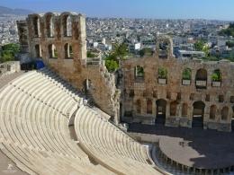Teater 'Odeon of Herodes Atticus'. Sumber: dokumentasi pribadi