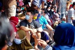 Vaksinasi di Ayani Mega Mall Pontianak dokumen: shando safela